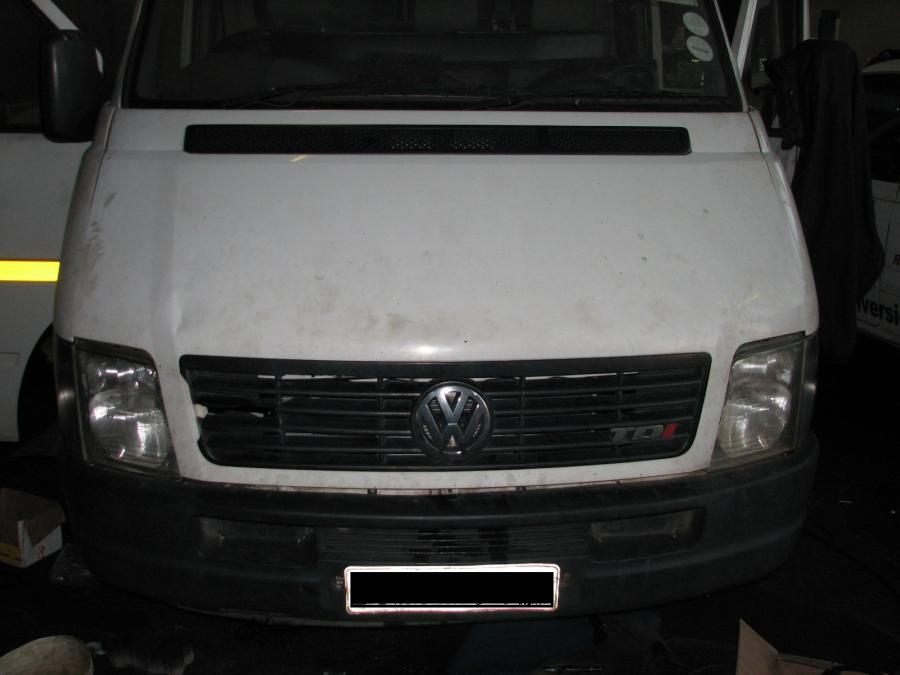 vw-lt-46-crafter-bus-lexus-v8-autobox-4x2-conversion