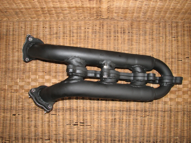 lexus-v8-engine-narrow-exhaust-manifolds