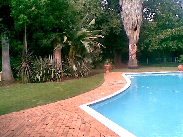 Swimming pool services garden home cleaning services pretoria necc pretoria garden Swimming pool maintenance pretoria