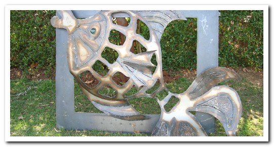 custom-made-woodensteel-trellises-&amp-steel-wall-plaques