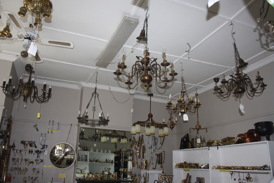 chandeliers-&-chandelier-fittings